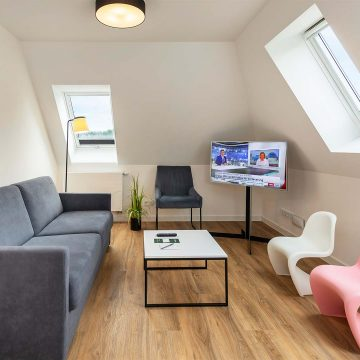 neoN-LakeHousePloen-Apartment-01